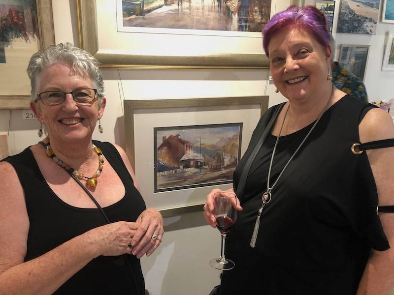 Visiting artist and entrant, Gerry Taylor enjoying the exhibition with local artist and GLAS member, Jenny Ross.